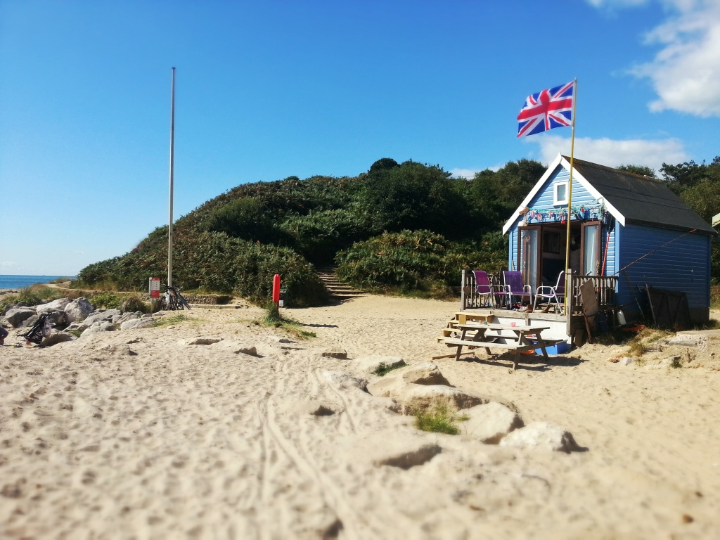 Beach Hut overlooking the Isle of Wight
